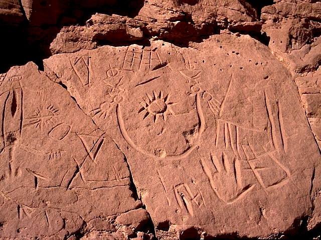 gravures-tifinagh-oued-prehistoire-du-maroc-com-tamelkiri_maroc