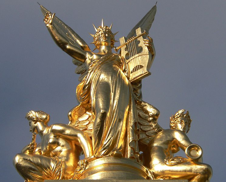 744px-music_on_top_of_opera_garnier_p1150815_david-monniaux_commons-wikimedia-org