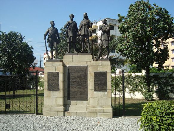 800px-askari_monument_mombasakenya_zahra-abdulmajid_commens-wikimedia-org