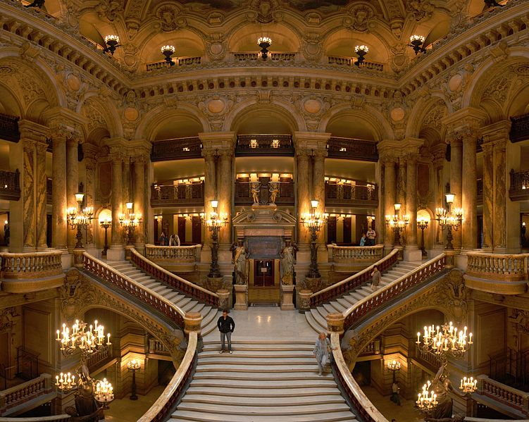 opera_garnier_grand_escalier_benh-remplace-song_commons-wikimedia-org