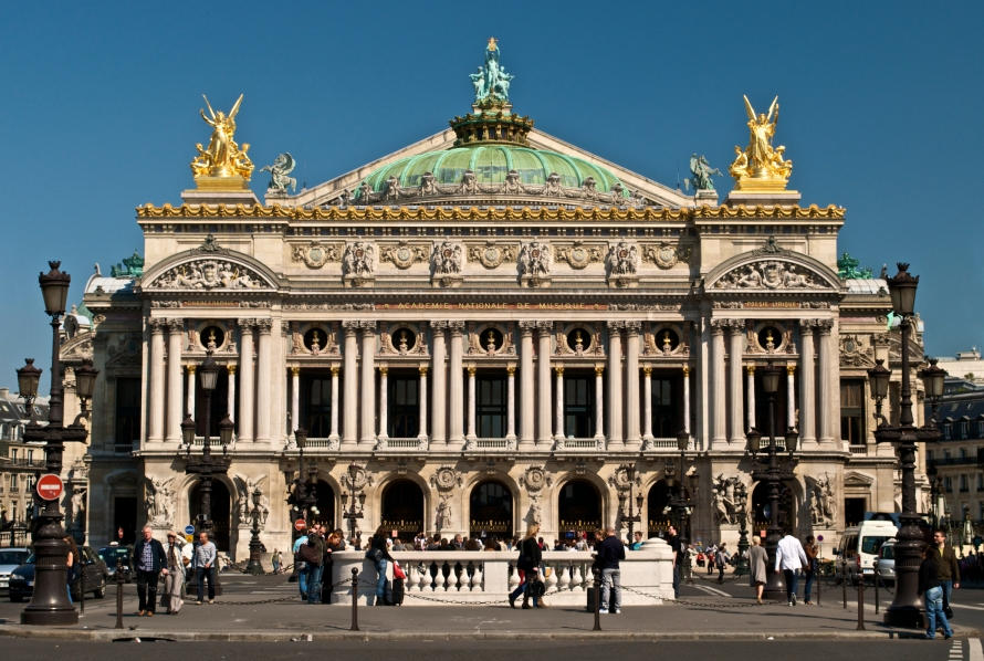 paris_opera_full_frontal_architecture_may_2009_peter-rivera_upload-wikimedia-org