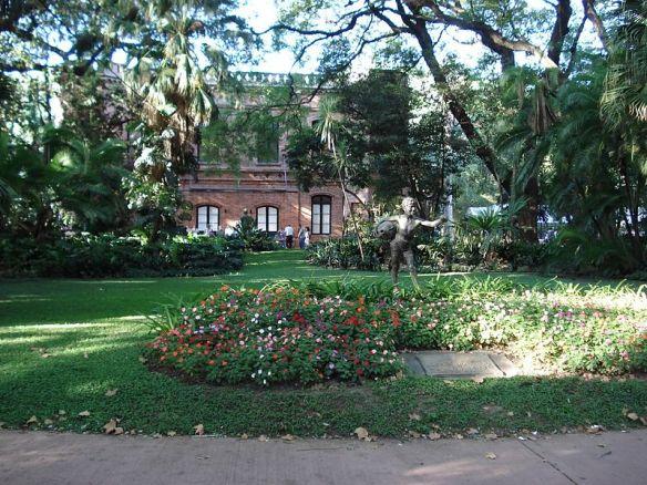 800px-buenos_aires_entrada_al_jardin_botanico_carlos_thays