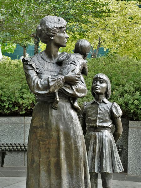 monument_to_mothers_temple_square_salt_lake_city_utah