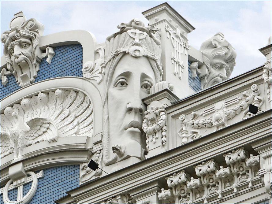 1024px-immeuble_art_nouveau_riga_7558514582