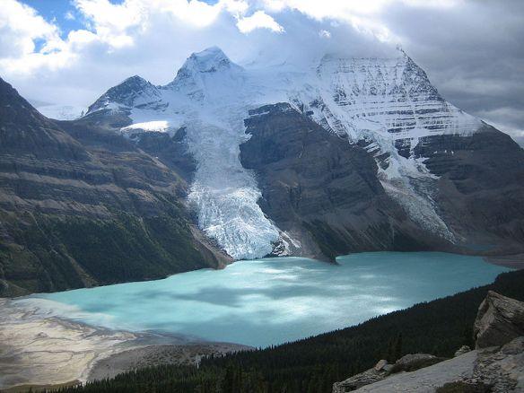 800px-Berg_Lake_Canadian_Rockies