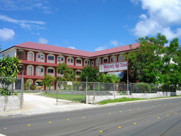 800px-Palau_Mindszenty_High_School