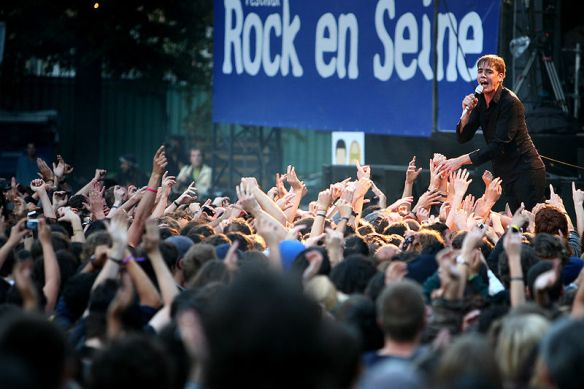 800px-Rock_en_Seine_2007,_The_Hives_1