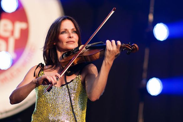 800px-Sharon_Corr_@_Brussels_Summer_Festival_2012_(8269542975)