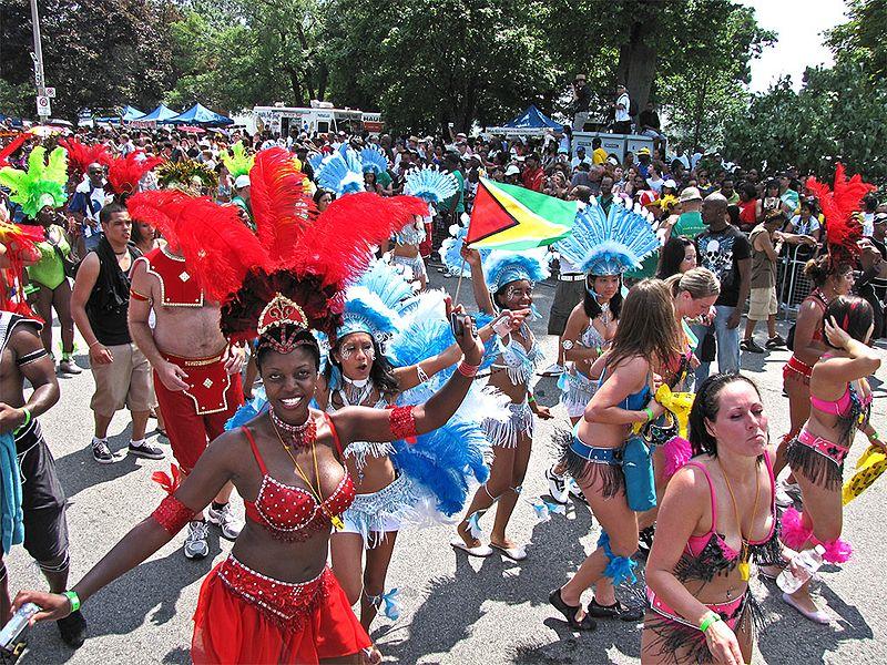 Caribana_parade_2009_(3785896155)