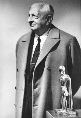 Giorgio_De_Chirico_1971_Milano,_mostra_personale_di_scultura