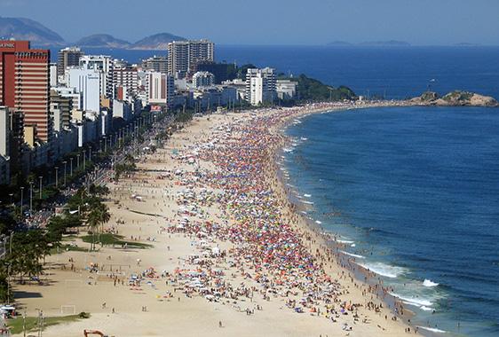 Ipaneman_beach_Rio_de_Janeirossa