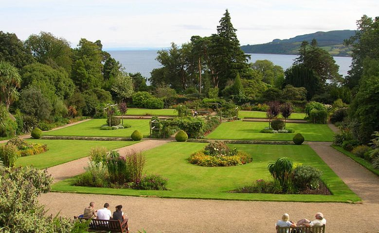 800px-Brodick_Castle_Walled_Garden