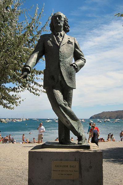 399px-Salvador_Dali_-_Statue_-_Cadaques_-_Spain