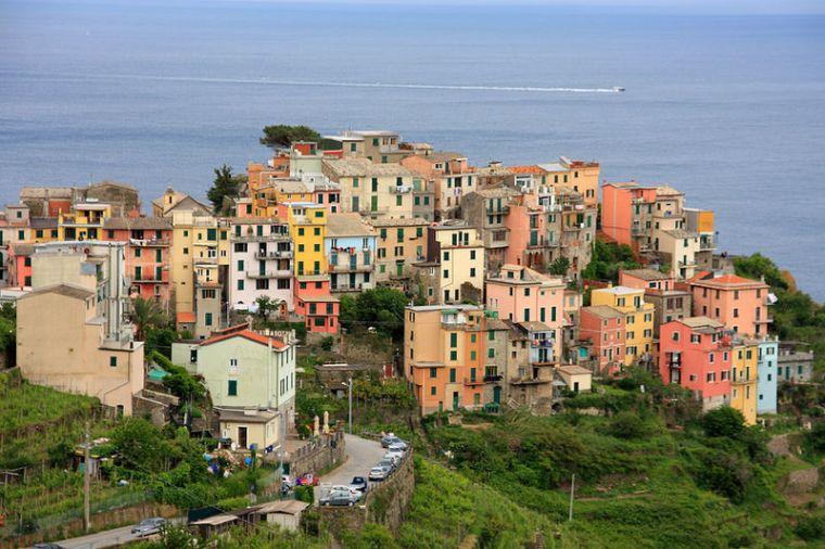 800px-Corniglia_panorama