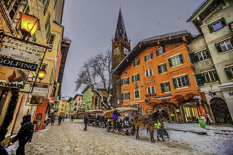 800px-Winter_snow_in_Kitzbühel