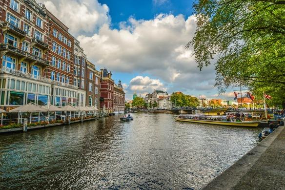 amsterdam-2203085_960_720