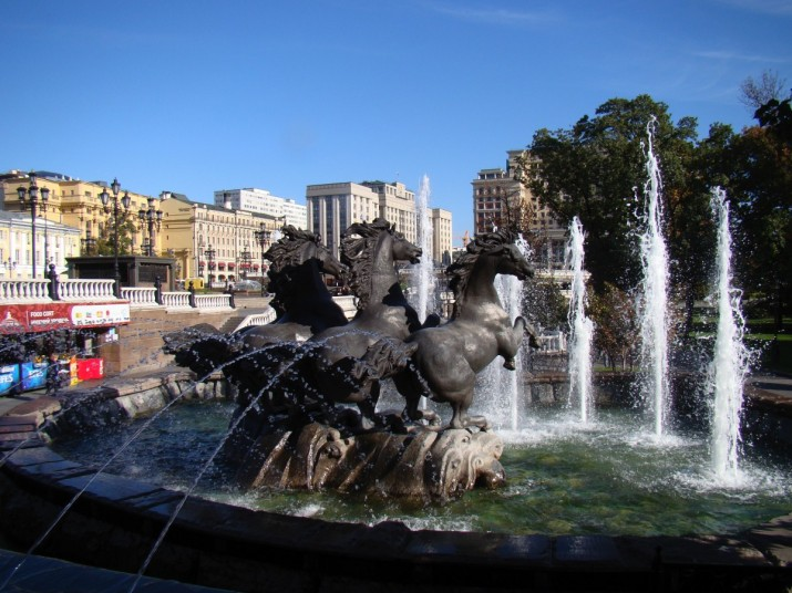 fountain_horse_aleksandrovskiy_garden_manezhnaya_square_moscow_russia-1347978.jpg!d