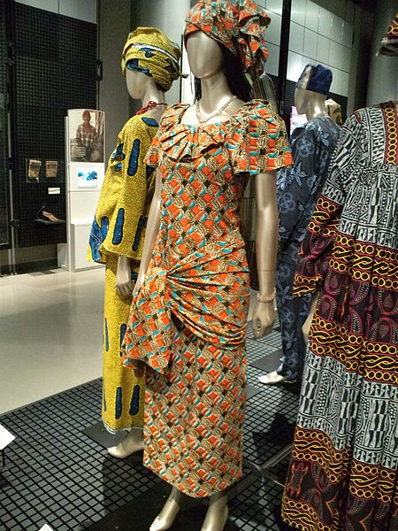 National_Museum_of_Ethnology,_Osaka_-_Woman's_clothes_-_Dakar_city_in_Sénégal_-_Collected_in_2000