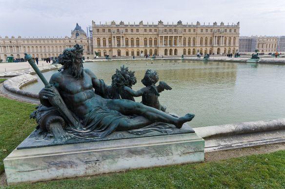 1024px-Versailles-Chateau-Jardins