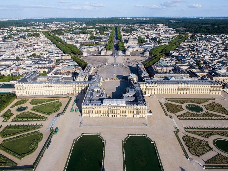 1024px-Vue_aérienne_du_domaine_de_Versailles_par_ToucanWings_-_Creative_Commons_By_Sa_3.0_-_073