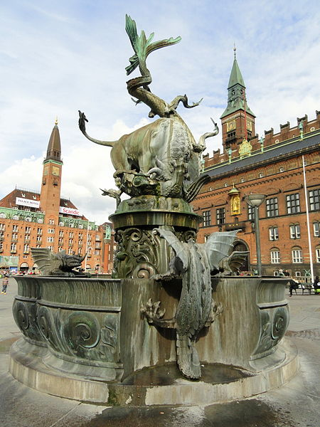 450px-Dragon_Fountain,_Copenhagen_-_DSC08860