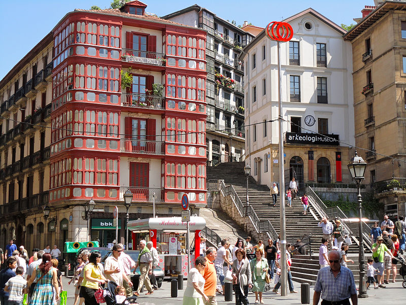 800px-Conjunto_Histórico_Artístico_el_Casco_viejo-Bilbao-3