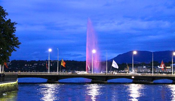 800px-Lake_Geneva_and_Jet_d'Eau