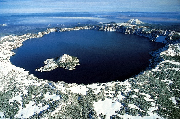 Crater_lake_oregon