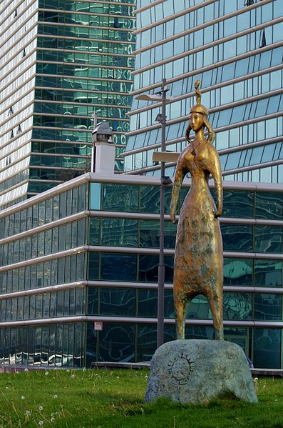 397px-Sidewalk_sculpture,_Astana