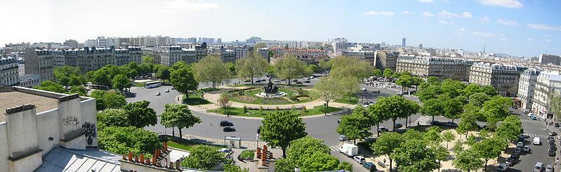 799px-FrancoiseDeGandi_-_Paris_-_Place_de_la_Nation