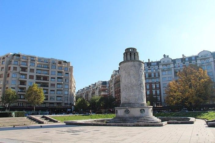 800px-Paris_-_Fontaines_de_la_Porte_de_Saint-Cloud_(27340776281)