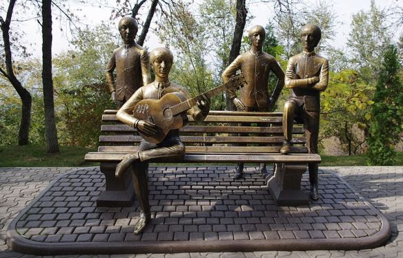 800px-The_Beatles_on_Green_Hill_in_Almaty,_Kazakhstan