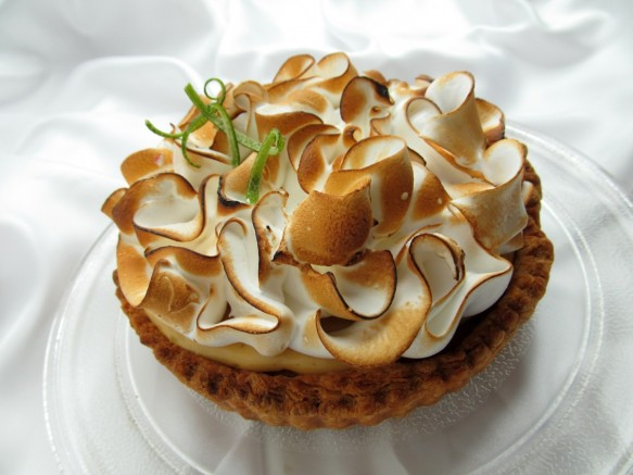 citron_unveiled_tart_lime_cake_fruit_meringue_dessert_sweet-1340554.jpg!d