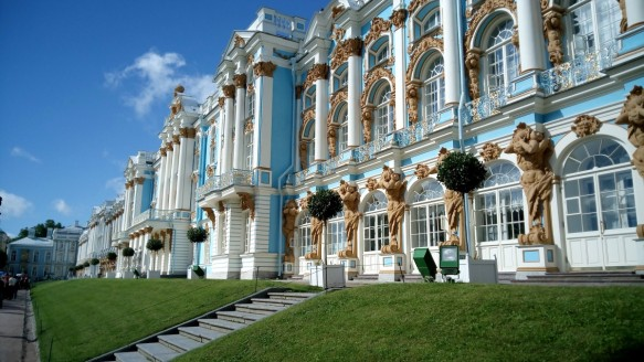 journey_vacation_tourism_st_petersburg_russia_the_palace_ensemble_tsarskoe_selo_museum_catherine_s_palace_architecture-518832.jpg!d