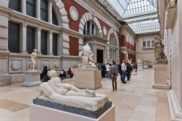 NYC_-_Metropolitan_Museum_-_Carroll_and_Milton_Petrie_European_Sculpture_Court