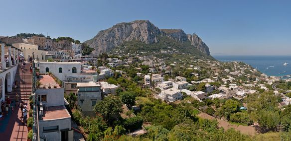 800px-Capri_Centre_Belvedere