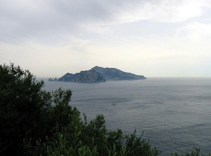 800px-Capri_From_Punta_Campanella