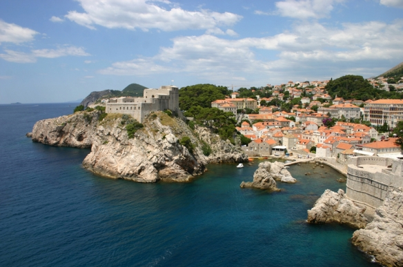 coastal-cityscape-and-landscape-in-dubrovnik-croatia