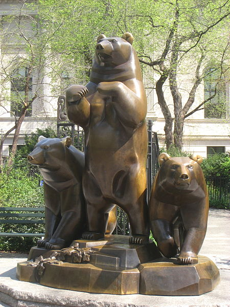 450px-Group_of_Bears,_Central_Park,_NYC_-_IMG_5751