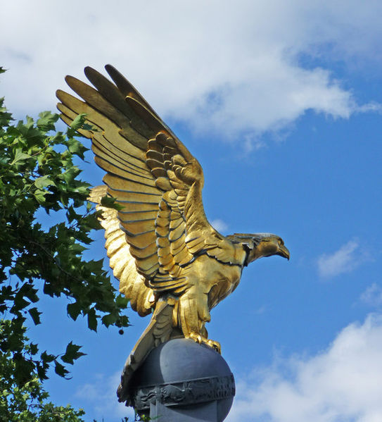 543px-Eagle_on_Royal_Air_Force_Memorial,_London_-_geograph.org.uk_-_1409640