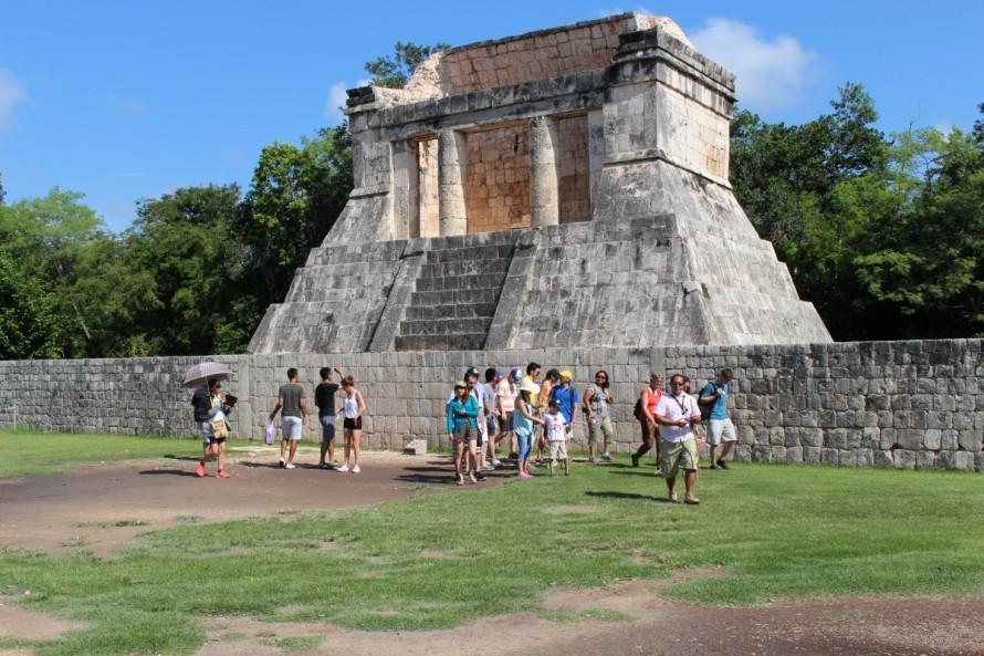 davidbarrera_cancun_holiday_mexico_tourists-373448.jpg!d