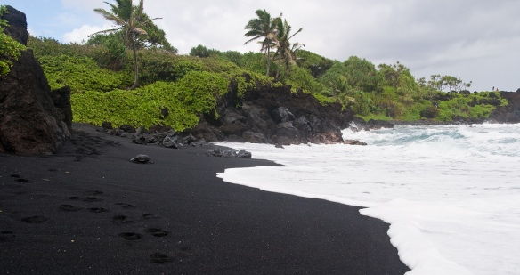 Honokalani Black Sand Beach
