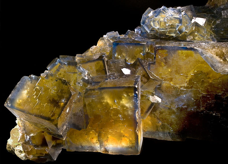 800px-FluoriteValzergueFillonjaune