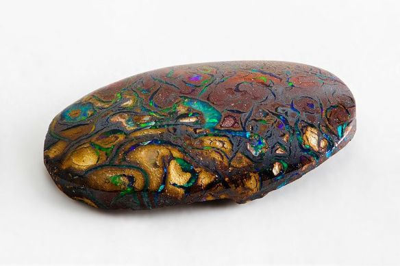 800px-Opal_from_Yowah,_Queensland,_Australia_2
