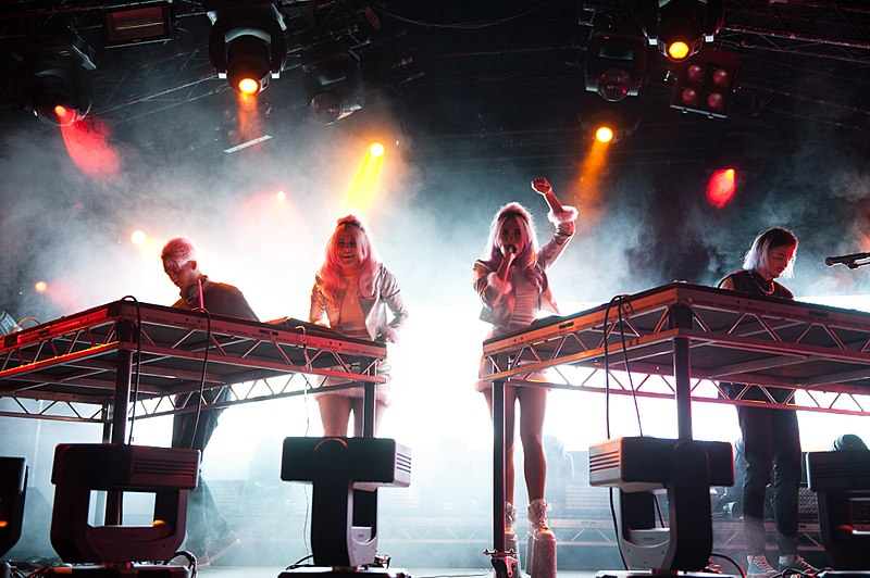 800px-Rebecca_&_Fiona,_Way_Out_West_festival,_Gothenburg,_Sweden,_2014