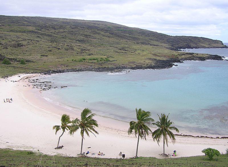 Anakena_Beach,_Easter_islan_-_panoramio