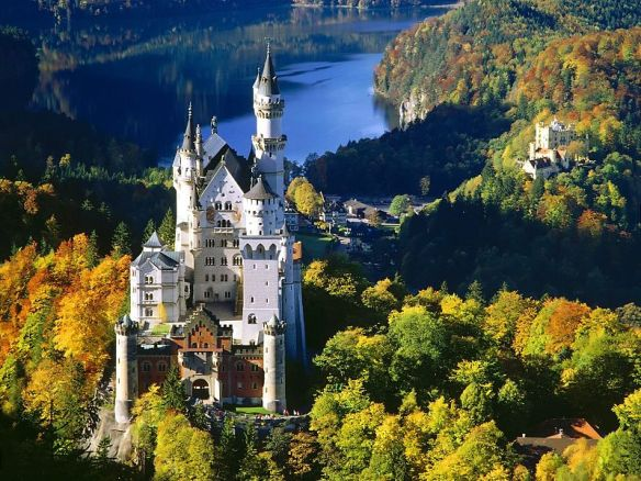 Neuschwanstein-castle-Bavaria_-_panoramio