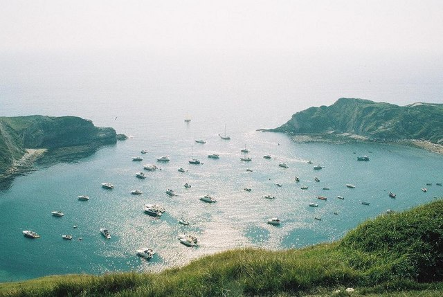 West_Lulworth,_Lulworth_Cove_-_geograph.org.uk_-_532886