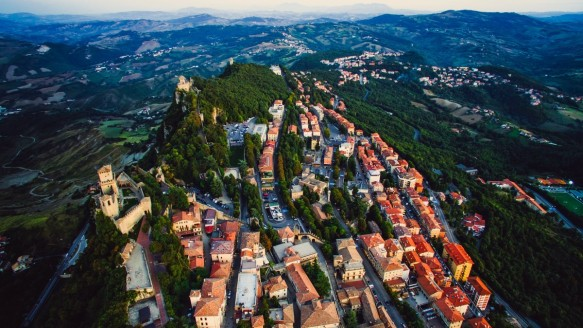 san_marino_city_urban_buildings_architecture_travel_town_tourism-1376293.jpg!d