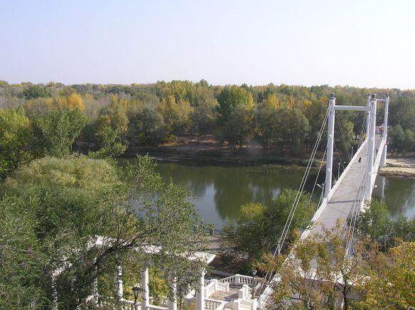 800px-orenburg_ural_bridge_view_from_above